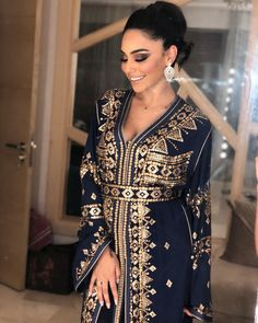 Kaftan Moroccan, Morrocan Dress, Style Caftan, Caftan Dress, Hijab Dress, Style Oriental, Oriental Fashion, Turkish Fashion, Gypsy Skirt