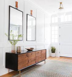 "1,039 Likes, 13 Comments - Pretty Little Interiors (@pretty.little.interiors) on Instagram: ""Loving this entry way ✨(via @amberinteriors) . . . . . #decorideas #homedesign #interiordesign…"""