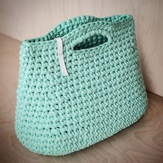 WEBSTA @ knitknotkiev - Mint crochet purse made of recycled zpagetti yarn Мятная вязаная сумочка из рисайкл трикотажной пряжи #knitknotkiev #crochet #recycle #recycled #tshirtyarn #zpagettiyarn #zpagetti #jerseyfabric #pink #summer #purse #bag #handbag #handmade #madeinukraine