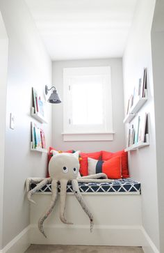 the boo and the boy: borrowed from my sister's blog...kids' reading nook