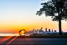 There's nothing like a guided tour of Cleveland, especially one that takes you to the top landmarks in the region. Check out this tour by See-Cle! Cleveland Arcade, Downtown Cleveland, Cleveland Rocks, Edgewater Park, Waterfall Hikes, Like A Local, Train Travel, Train Trip