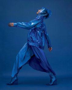 Azul Pantone, Pantone 2020, Pantone Color, Artistic Photography, Editorial Photography, Fashion Photography, Vogue Korea, Doutzen Kroes, Color Of Life