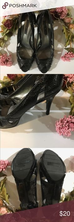 "🐿 Bandolino Peep Toe Heels EUC, 3"" heel size 9 perp toe python! Gorgeous! 🐶🚭 Bandolino Shoes Heels"