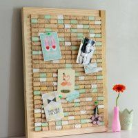 Really nice idea, to reuse the corks into something useful We love these ideas This is from - Marie Claire Idées Diy Arts And Crafts, Diy Crafts, Wine Cork Crafts, Diy Projects For Teens, Diy Wall Art, Diy Home Decor, Crafty, Decoration, Marie Claire