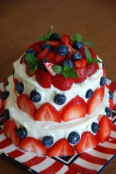 4th of July Cake  Increase Your Followers On Pinterest  http://www.ninjapinner.com/idevaffiliate/idevaffiliate.php?id=212  #4thofjulydesserts #4thofjulyideas