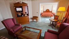 Hotel Disneyland Paris, Grands Salons, Hotel Suites, Floor Chair, Tinkerbell, Hotels Disney, Petra, Furniture, Home Decor