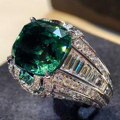 Louis Vuitton Jewellery. Via Carineloeillet (@carineloeillet) on Instagram: Conquêtes ring by Louis Vuitton #louisvuittonjewelry #diamonds #gemstones #gold #paris