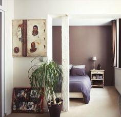 Une couleur Chocolat pour mettre en valeur cette chambre by Michele Boni Interior designer www.michele-boni.com