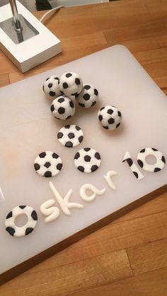 Fondant soccer cake toppers