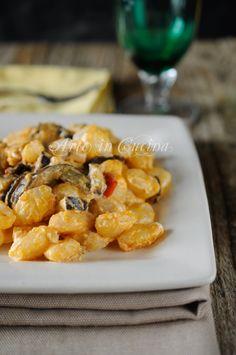 Eggplant and Robiola Cheese Gnocchi Veggie Recipes, Vegetarian Recipes, Healthy Recipes, Gnocchi Recipes, Pasta Recipes, Ravioli, Italian Dishes, Italian Recipes, International Recipes