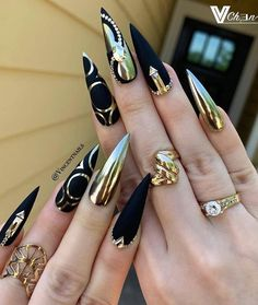 Matte Effect Perfect For A Dark Color ❤ Best Stiletto Nails Designs, Ideas, Ti. - Matte Effect Perfect For A Dark Color ❤ Best Stiletto Nails Designs, Ideas, Ti. Ongles Bling Bling, Bling Nails, Nail Swag, Gorgeous Nails, Pretty Nails, Nagel Bling, Nagellack Design, Stiletto Nail Art, Matte Nails