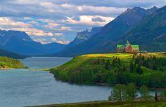 Prince of Wales Hotel, Waterton Lake.jpg 576×375 pixels