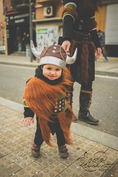 Kids - Carnestoltes - Portrait - Nens - Disguise - Vikings http://instantsordinaris.tumblr.com