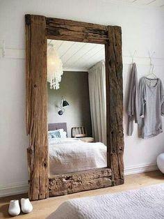 Grand miroir en bois vieilli. #diy #idea #miror