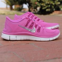 Sneakers with real Swarovski crystals: Women's Nike Free Run - Pink Violet. This company donates a portion of their sales to animal charities. Pink Nike Shoes, New Nike Shoes, Nike Shoes Cheap, Pink Nikes, Cheap Nike, Zumba Shoes, Nike Free Runs, Nike Running, Running Shoes