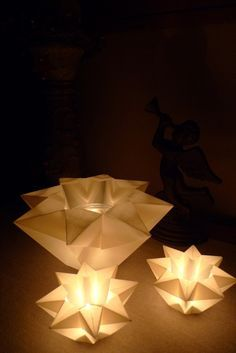waldorf-laterne-basteln-karin-urban-naturalstyle/ - The world's most private search engine Useful Origami, Diy Origami, Christmas Origami, Christmas Diy, Xmas, Diy Craft Projects, Diy Crafts For Kids, Fleurs Diy, Jar Lights