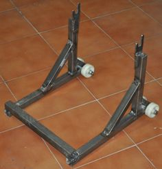 Imagen Motorbike Stand, Motorcycle Lift Table, Bike Lift, Bicycle Stand, Bike Stands, Garage Tools, Garage Shop, Garage Workshop, Welding And Fabrication