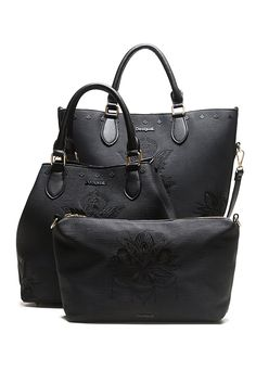 Women's black shopper-style bag. Includes a removable strap to wear it as a messenger bag. We can´t live without a bag, moreover us girls wearing all of our essentials and we can guaranteed that this one will be a great choice. You can discover all of our bags selection on our website.