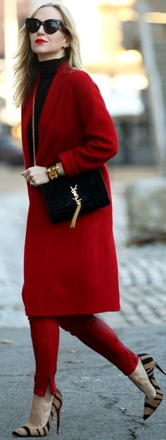 Brooklyn Blonde: Outfit of the Day Red Fashion, Work Fashion, Winter Fashion, Womens Fashion, Street Fashion, Red Leather Pants, Red Pants, Street Chic, Street Style