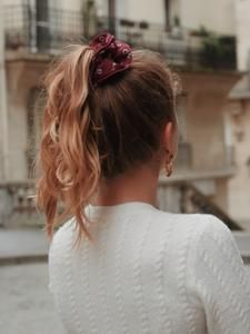 CHOUCHOUS – Scrunchie is back Scrunchies, Collection, Fashion, Burgundy Flowers, Hair Style, Hair, Moda, La Mode, Fasion