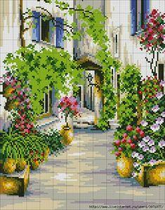 Calle con plantas