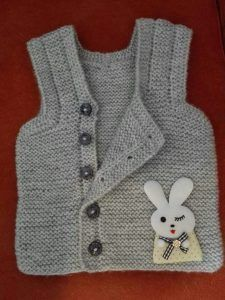 Easy Vest Directions With Side Buttons. Kids Knitting Patterns, Knitting For Kids, Crochet For Kids, Knitting Designs, Free Knitting, Knit Crochet, Hello Kitty Dress, Baby Pullover, Baby Coat
