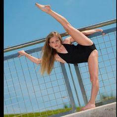 Free celebrity photo gallery hosted by So Sugary. Mia Diaz, Mackenzie Rosman, Autumn Miller, Sporty Girls, Yahoo Images, Celebrity Photos, Gymnastics, Bff, Image Search