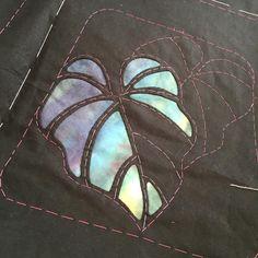 Hawaiian Quilt Patterns, Hawaiian Quilts, Quilt Patterns Free, Applique Patterns, Applique Quilts, Applique Designs, Embroidery Applique, Embroidery Stitches, Fabric Manipulation Techniques
