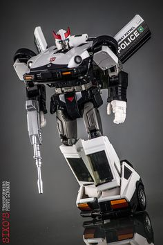 Transformers Masterpiece MP-17 Prowl