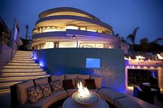 Now that's an AMAZING house