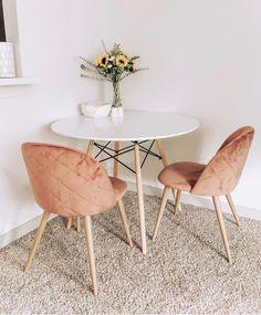 25 of our favourite millennial pink home decor picks 00017 Living Room Decor, Bedroom Decor, Pink Home Decor, Small Apartment Decorating, Piece A Vivre, Contemporary Home Decor, Small Dining, Home And Deco, Küchen Design