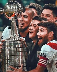 """De la """"B"""" se vuelve y sin decreto. Pero de ésta bostero no volvés más! La Copa Más gloriosa es de River Plate y es única.… Carp, Tony Stark, Tattos, Iphone, Ideas, Mariana, Gym Design, Common Carp, Thoughts"""