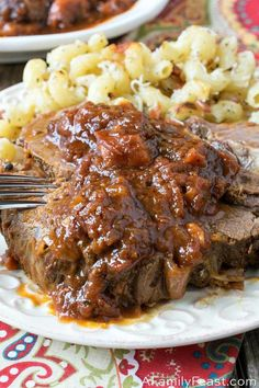This easy Italian Pot Roast has flavorful and juicy, fork-tender beef smothered in a deep rich gravy. This easy Italian Pot Roast has flavorful and juicy, fork-tender beef smothered in a deep rich gravy. Pot Roast Recipes, Meat Recipes, Gourmet Recipes, Cooking Recipes, Delicious Recipes, Crockpot Recipes, Game Recipes, Hamburger Recipes, Recipes