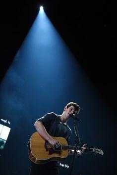 Shawn Mendes Updates