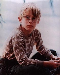 Macaulay Culkin Photo: Macaulay Culkin - Home Alone,the good son,my girl Kevin Home Alone, Home Alone Movie, Aesthetic Themes, Retro Aesthetic, Aesthetic Photo, Child Actors, Young Actors, My Girl Film, Macaulay Culkin Home Alone