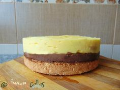 Tort cu cocos vanilie ciocolata si frisca Cheesecake, Desserts, Food, Tailgate Desserts, Meal, Cheese Cakes, Dessert, Eten, Cheesecakes