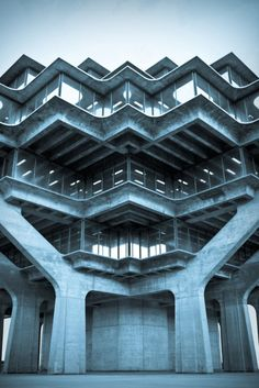 i lived close by this building in high school, and on weekends, would skateboard over to the campus to marvel at it. i thought it then, and still think it now, one of the coolest buildings imaginable. Geisel Library at UCSD Campus in La Jolla