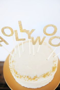 DIY Oscar Party Ideas: Glitter Hollywood Cake Topper - Pink Peppermint Design