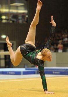 Gymnastics Flexibility, Acrobatic Gymnastics, Olympic Gymnastics, Gymnastics Girls, Gymnastics Leotards, Gymnastics Floor, Amazing Gymnastics, Gymnastics Photography, Gymnastics Pictures