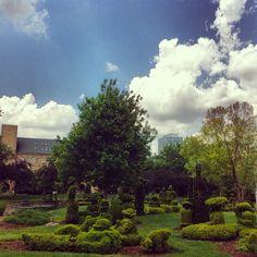 Topiary Park Columbus Ohio is based on the George Seurat sunday afternoon on the island of la grande jatte