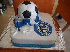 MsFunnyHome: Fußballtorte die 2te - Nusskuchen Birthday Cakes For Men, Fondant Tutorial, Sweets Cake, Velvet Cake, Quiche, Desserts, Kids, Experiment, Anton