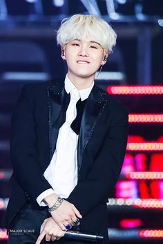Min Yoongi Suga His smug little smile when he stopped rapping in the middle of the song to show haters that BTS performs live Suga Suga, Jimin, Min Yoongi Bts, Bts Bangtan Boy, Namjoon, Taehyung, Daegu, K Pop, Pop Bands