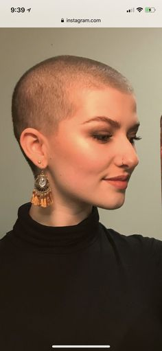#hairdare #short #buzz #hairstyles #buzzcut #femininebuzz #shorthair #womenshair #beauty Revealing Swimsuits, Buzz Cuts, Shaved Heads, Bald Hair, Bald Women, Ideal Beauty, Hair Tattoos, Hair Dye Colors, Bowl Cut