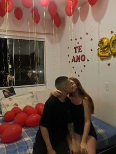 #surpresa #namorado #namoro #namorada #baloes #amor #romance Diy Birthday, Birthday Gifts, Cute Boyfriend Gifts, Welcome Home Gifts, Romantic Surprise, Romantic Dinners, Surprise Gifts, Couple Gifts, Homemade Gifts