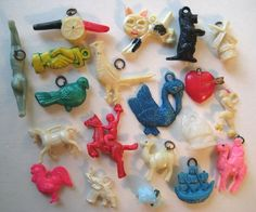 VINTAGE Celluloid MIXED LOT OF 20 Cracker Jack Gumball Toy Prize Charms #2