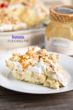 Best Ever Banana Pudding Pie. Flaky pie crust filled with vanilla pudding, Cool Whip, vanilla wafers and bananas. Topped with Cool Whip, cookies & caramel!
