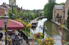 Grand Union Canal - The Boat Inn - Berkhamsted - Hertfordshire - England