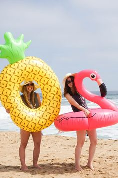 A Tropical Beach Bachelorette Party | Must haves for a beach bachelorette party? A giant pineapple pool float and a giant flamingo pool float! Click to see the whole party! Ultimate Bridesmaid | Love Always, Audrey