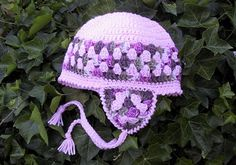 WOMAN'S GRANNY EARFLAP CAP