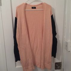 NASTY GAL LONG TWO TONED SWEATER Amazing piece to add to your wardrobe for spring or fall! There are cut outs on the sleeves for your elbows *see photos* LIKE NEW/WORN ONCE Nasty Gal Sweaters Cardigans